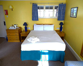 standard room rivenhall hotel